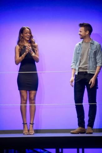 Rihanna si-a lansat o colectie vestimentara (Galerie foto)
