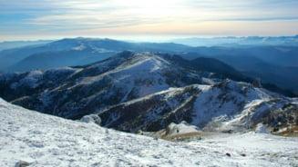Risc de avalanse in muntii Fagaras, la Balea Lac. Zapada masoara aproape doi metri