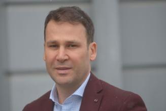 Robert Negoita: Unor angajati ai Primariei le-a scazut venitul net. PSD nu a promis ca nu vor scadea salariile