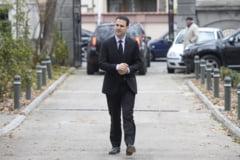 Robert Negoita, acuzat ca si-a plagiat doctoratul