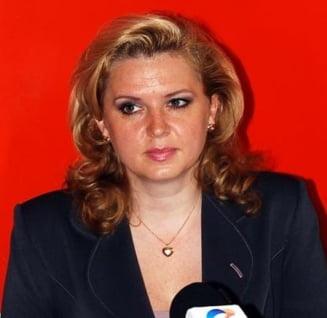 Roberta Anastase: O sustin pe Elena Udrea (Video)