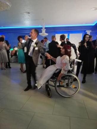 Robi INVINGATORUL s-a insurat cu aleasa inimii lui! Nunta a fost de vis - VIDEO si FOTO