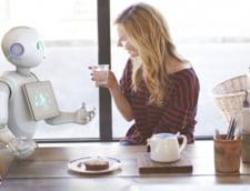 Robotul Pepper, consultant in vinuri la Carrefour - deosebeste clientii veseli de cei tristi