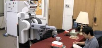 Robotul de casa, capabil sa-ti anticipeze miscarile (Video)