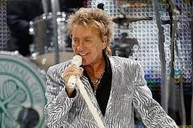 Rod Stewart a spart nasul unui fan