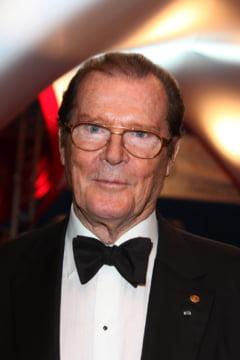 Roger Moore, o viata ca-n filme: A luptat in razboi si l-au batut doua neveste