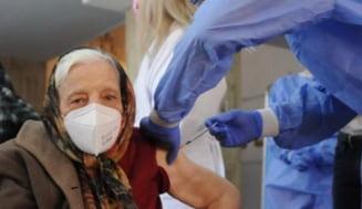 Românii care au mai mult de șase luni de la ultima doză de vaccin pot primi a treia doză. Ministrul Cseke Attila dă tonul vaccinării cu doza trei