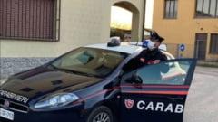Romanca din Italia, injunghiata de propria fiica. Adolescenta de 14 ani si-a atacat mama dupa ce le-a incuiat pe surori in baie