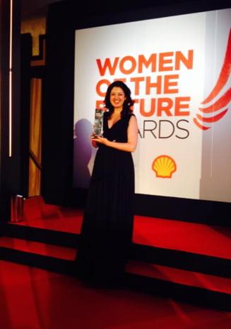 """Romanca premiata la Londra - Pianista Alexandra Dariescu, """"Femeia Viitorului"""" in Marea Britanie"""