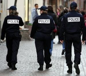 Romanca prinsa la furat cu copilul, in Franta