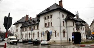 Romanescu suparat pe cei care ar fi trebuit sa se ocupe de licitatia pentru dezinsectie