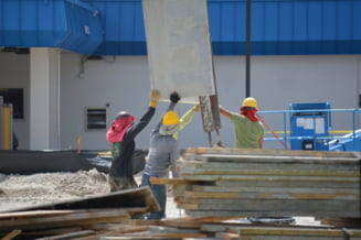 Romani exploatati in Austria ca muncitori necalificati. Peste 200 de persoane retinute intr-o operatiune Europol
