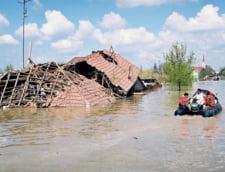 Romania, dupa inundatii: Banii promisi de Guvern n-au ajuns in Valcea