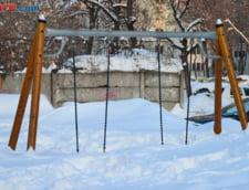 Romania, in zapada: Mai multe scoli din judetele Moldovei raman inchise