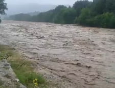 Romania, sub cod rosu de inundatii: Se intampla o data la 200 de ani