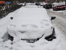 Romania, sub zapada - Peste 3.000 de scoli sunt inchise si miercuri