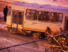 Romania, sub zapada: Drumuri si scoli inchise, cod portocaliu prelungit - LIVE