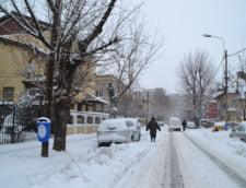 Romania, sub zapada: Scoli inchise in Bucuresti si in trei judete, din cauza viscolului