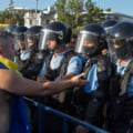 Romania TV si Cancan ar urma sa ii plateasca daune morale unui barbat pe care l-au acuzat ca a batut-o pe jandarmerita la protestul din 10 august 2018