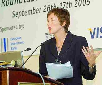 Romania ar trebui sa amane adoptarea euro - EIU