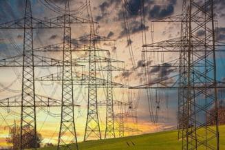 Romania importa aproximativ 1.000 de MW de electricitate duminica dimineata, dupa oprirea reactorului 2 de la Cernavoda