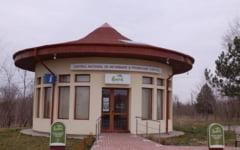 Romania lucrului prost facut. Centru de lux pentru informarea turistilor: a costat 500.000 de lei, dar are 4 pliante si 8 vizitatori lunar