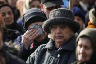 Romania nu va depasi criza economica in 2012 - Sondaj IRES