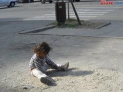 Romania reala: Peste o treime dintre copii traiesc in locuinte fara toaleta in interior