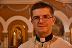 Romania va avea cel mai tanar episcop catolic din lume. Papa Francisc si-a dat acordul