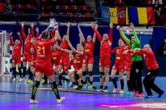 Romania vs Ungaria la Campionatul European de handbal feminin: Pe cine vad favorita casele de pariuri