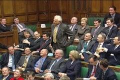 Romanii, atacati virulent in Parlamentul de la Londra