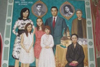 """Romanii, inchinatori la """"sfintii"""" din politica. Cine sunt primarii si deputatii care si-au pictat chipurile pe zidurile bisericilor"""