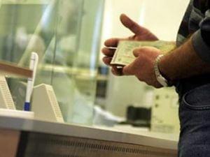 Romanii, ingropati in datorii: Restantele la credite tot cresc