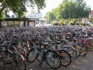 Romanii au cumparat de cinci ori mai multe biciclete decat masini, anul trecut