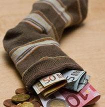 Romanii au economisit 12% din venituri