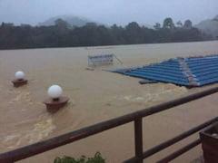 Romanii blocati de inundatii intr-o statiune din Malaezia au fost salvati