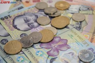 Romanii isi cheltuie banii castigati pe mancare si taxe - care e venitul mediu pe membru de familie
