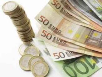 Romanii isi muta banii la bancile elvetiene, de teama taxei pe avere