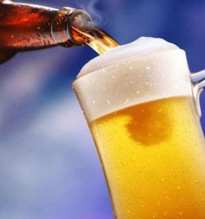 Romanii nu mai mananca la restaurant si cumpara bere la PET