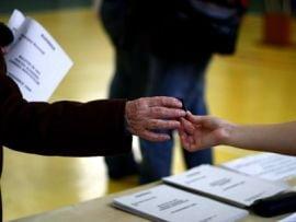 Romanii vor alegeri comasate in 2012 - sondaj