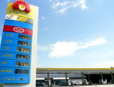 Rompetrol a scumpit benzina cu opt bani