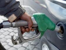 Rompetrol a scumpit marti benzina si motorina