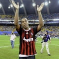 Ronaldinho ramane la AC Milan