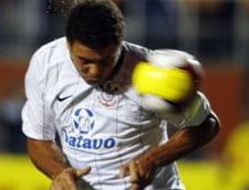 Ronaldo marcheaza pe banda rulanta la Corinthians (Video)