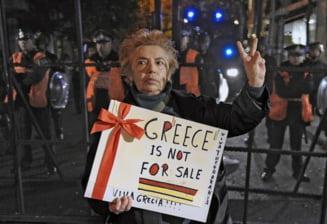 Roubini: Grecia si alte tari ar putea renunta la euro