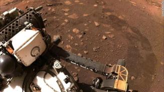 Roverul Perseverance si-a inceput explorarea pe Marte. A facut prima deplasare pe sol la doua saptamani de la amartizare