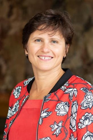 Roxana Maracineanu ramane si in noul Guvern francez. Va fi ministru delegat al Sporturilor