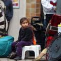 Rromi din Romania, evacuati dintr-o tabara din Paris