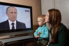 """Rusia a ales Era Putin cu 77.02%. Opozitia acuza ca referendumul este o """"enorma minciuna"""""""
