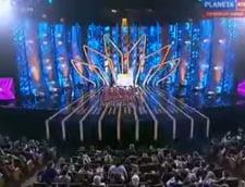 Rusia trimite un sextet de babute la Eurovision